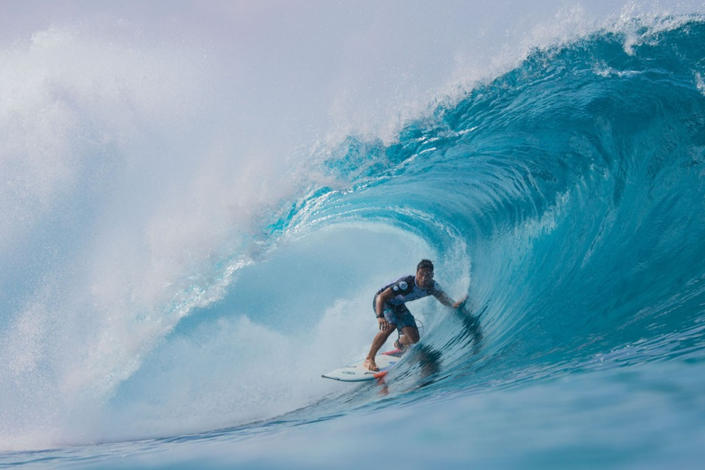 US-HAWAII-SURFING-PIPELINE